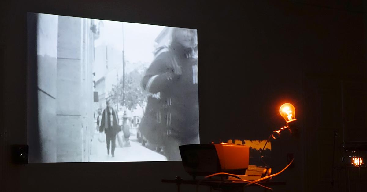 A szer/mző feltámadása: zenévé lett szöveg kafkai labirintusában